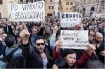 Le proteste in piazza due anni fa
