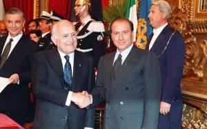 Scalfaro assegna l'incarico a Berlusconi. È il 1994