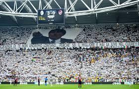 18 maggio 2014, ultima giornata stagione 2013/2014. I tifosi bianconeri dedicano un lungo striscione a Conte. Sarà la sua ultima panchina in bianconero