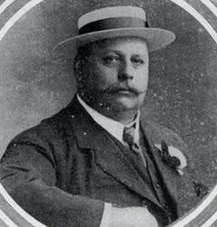 George Davidson, detto Geo. Rilevò il Genoa nel 1913.