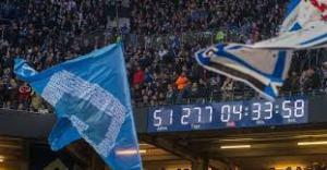 Una recente immagine del Bundesliga Uhr, l'orologio che scandisce il tempo di permanenza dell'Amburgo nella massima serie tedesca