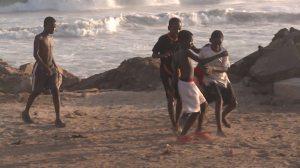 Bambini che giocano a Accra, capitale del Ghana.
