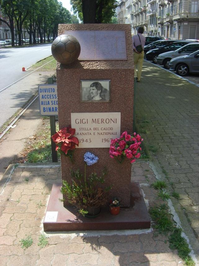 Monumento_Meroni_corso_Umberto